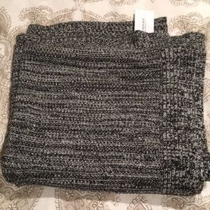 NWT Banana Republic blanket scarf